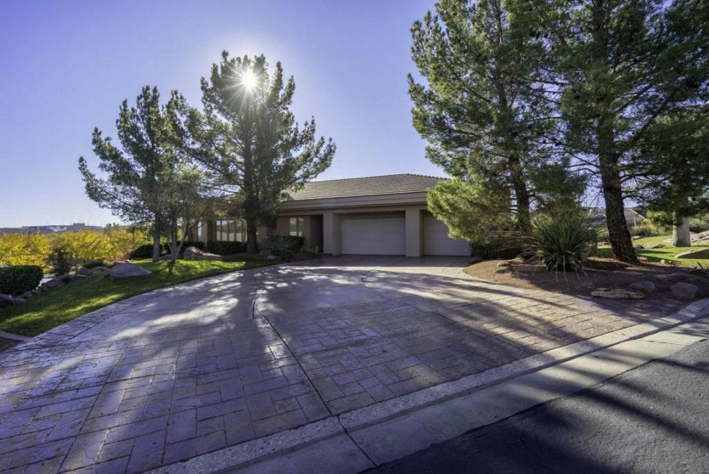 Stone Cliff Home driveway