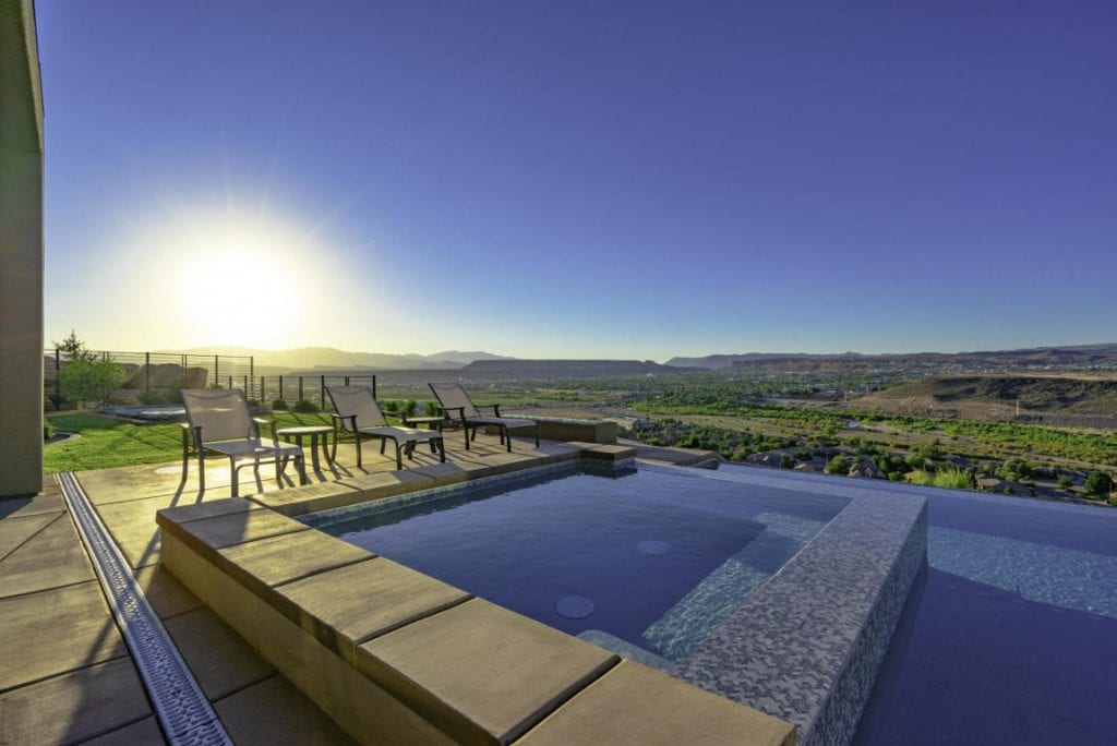 infinity edge spa pool desert views