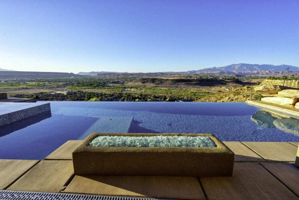 inifinty edge pool at luxury home